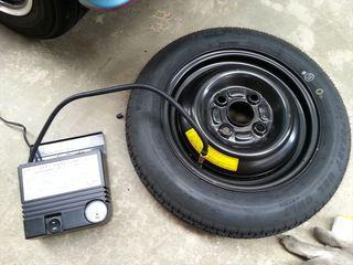 スペアタイヤ空気圧点検
