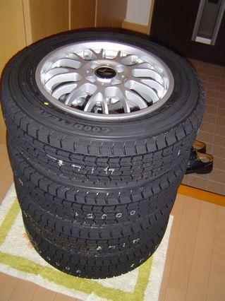 タイヤ積み